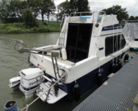 Reinell Flybridge Motorboot mit Trailer(TK) 2